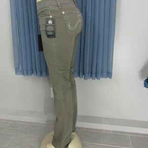 ROCK & REPUBLIC MILITARY GREEN JEANS. NWT